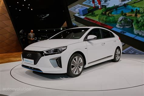 Hyundai-Kia Will Recall About 240,000 Cars After