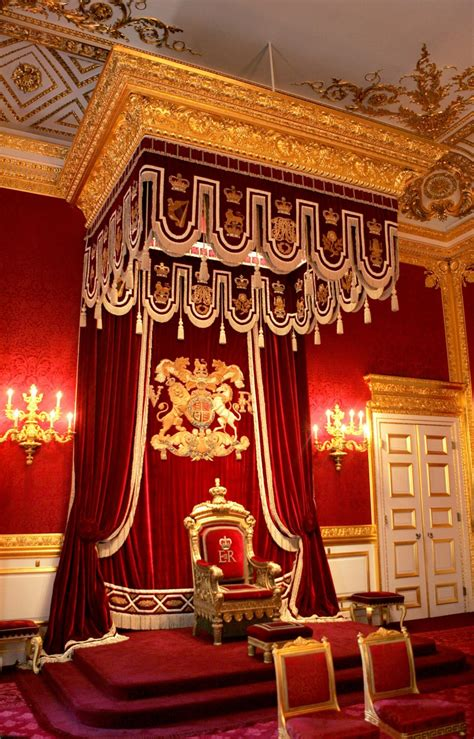 Queen to Rent Out St James' Palace for London Olympic Games