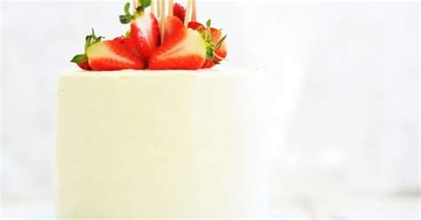 Louise´s Spis: Strawberry Cake with Whipped Cream Cheese