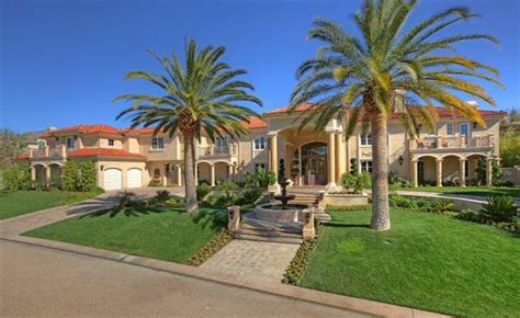 15 Rappers With Their Over-the-Top Mansions - Wow Amazing