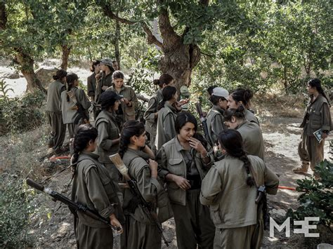 The female guerilla fighters of the PKK | Middle East Eye