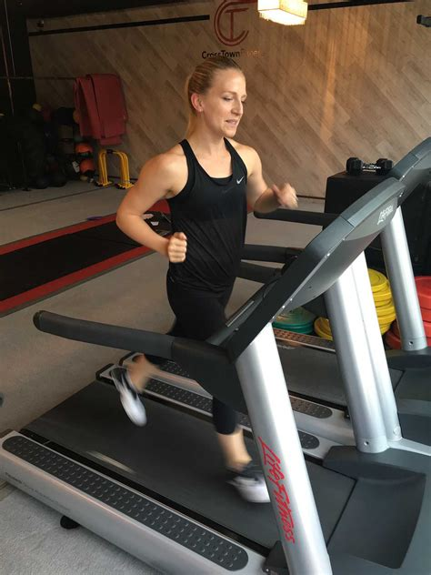 30-Minutes of Quarter-mile Repeats With This Treadmill