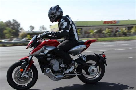 2014 MV Agusta Rivale Review + Video