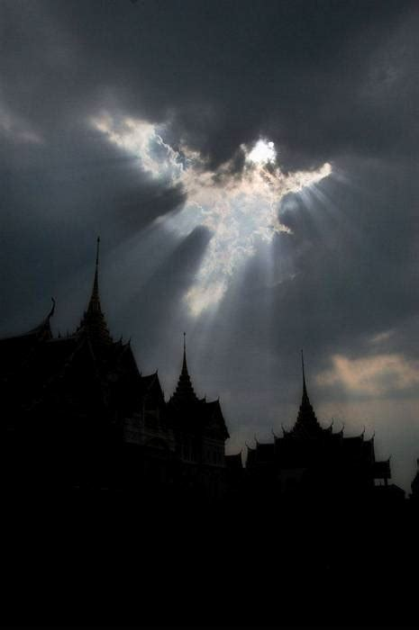 10 Beautiful Angel Shaped Clouds Seen Around The World
