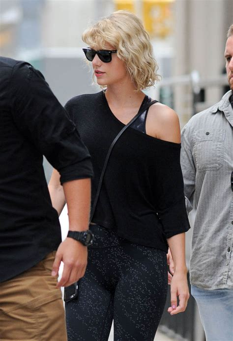 Slytherin Taylor Swift out in New York as Tom Hiddleston