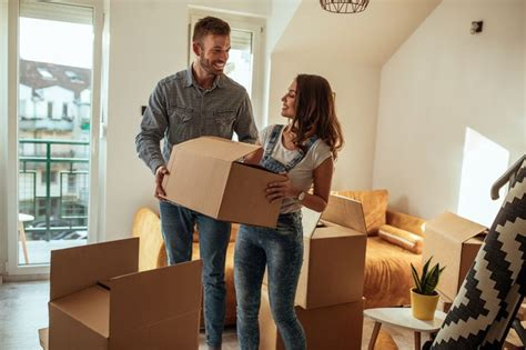 Moving Overseas? The 10 Downsizing Tips You Need To Know