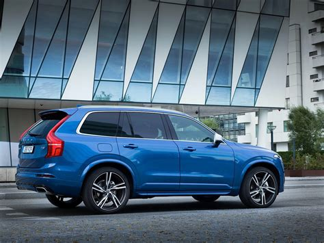 Volvo XC90 T6 R-Design Looks Good, Takes 100 KM/H Test