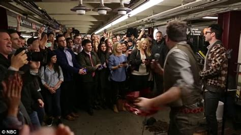 MAROON 5 AND JIMMY FALLON SURPRISES SUBWAY COMMUTERS