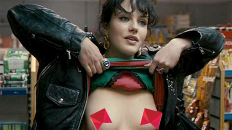 10 Famous Actresses Who Regret Stripping Down For Big