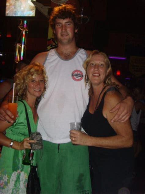 The 6ft 10in man! | Photo