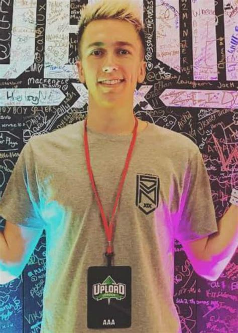 Miniminter Height, Weight, Age, Body Statistics - Healthy